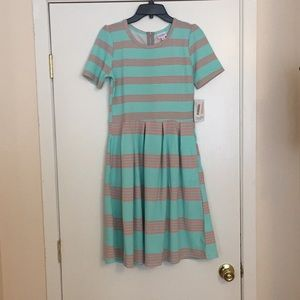 M LuLaRoe Amelia Dress G04 1955